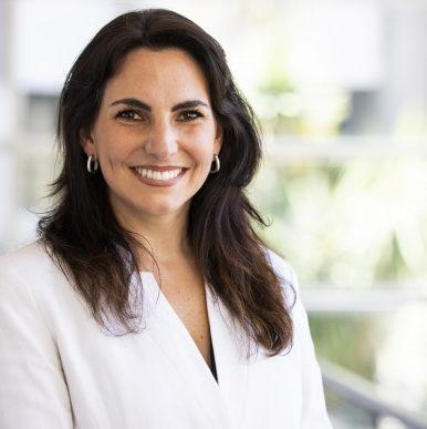 Isabelle Chaquiriand nueva decana de la Facultad de Ciencias Empresariales de la Universidad Catolica del Uruguay edited